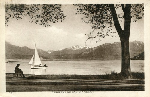 boy lake france mountains tree annecy boys kids children boat europe child postcard photograph sail enfants enfant ll gamin garçon lacdannecy hautesavoie cartepostale garçons rhonealpes lakeannecy cartespostalesanciennes