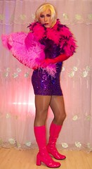 showgirl (Gloria Vulcano) Tags: shy blond transve