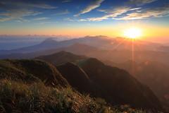 五分山日出 / Sunrise at Wufenshan (kth517) Tags: sunrise taiwan taipei 台灣 台北 日出 五分山 wufenshan