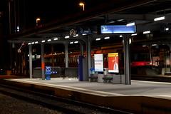 BLS RBDe 566 234 Pendel / Pendelzug noch ohne Taufnamen mit Steuerwagen ABt 934 in den ehemaligen RM - Farben am Bahnhof in Thun im Kanton Bern in der Schweiz (chrchr_75) Tags: train de tren schweiz switzerland suisse swiss eisenbahn railway zug september locomotive bern christoph svizzera bls bahn treno chemin centralstation fer locomotora tog juna pendel lokomotive lok ferrovia simplon spoorweg suissa 1109 locomotiva lokomotiv ferroviaria  2011 locomotief chrigu ltschberg  rautatie  zoug trainen kantonbern ltschbergbahn regionalzug  chrchr rbde hurni pendelzug chrchr75 chriguhurni albumblsltschbergbahn albumbahnenderschweiz2011 albumblsrbdependel hurni110921 chriguhurnibluemailch