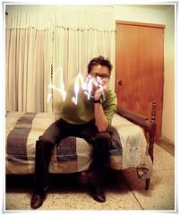 Amor! (Jonathan5248) Tags: road door wood cinema man verde green love luz bulb luces sweater bed puerta amor style amour thinking gafas write hombre escribir escribiendo wayferer maderalights
