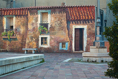 "Fonni Tromp l'Oeil • <a style=""font-size:0.8em;"" href=""http://www.flickr.com/photos/55747300@N00/6173445226/"" target=""_blank"">View on Flickr</a>"