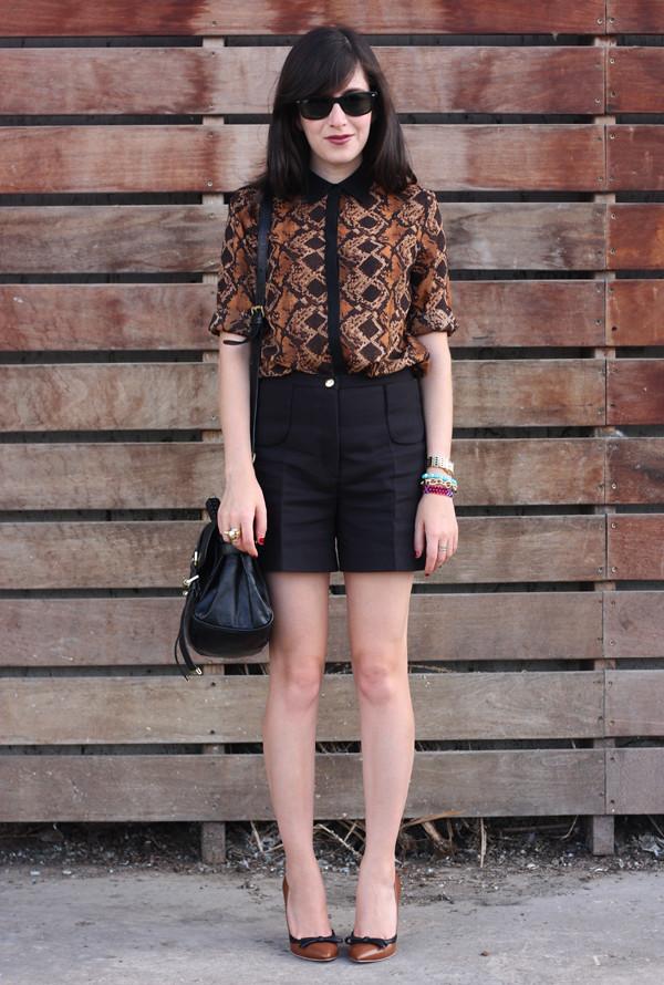 snake_blouse_sandro_shorts4