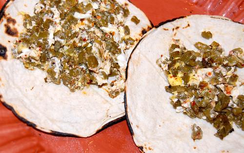 Tacos de nopalitos con huevo