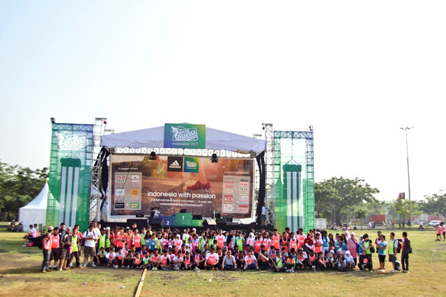 150 YCAB students in front of the main stage