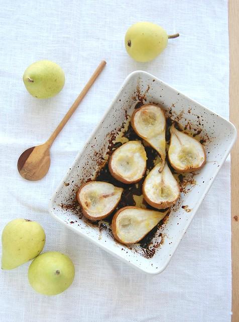 Little almond crostate with roast pears / Tortinhas de amêndoa com pêras assadas