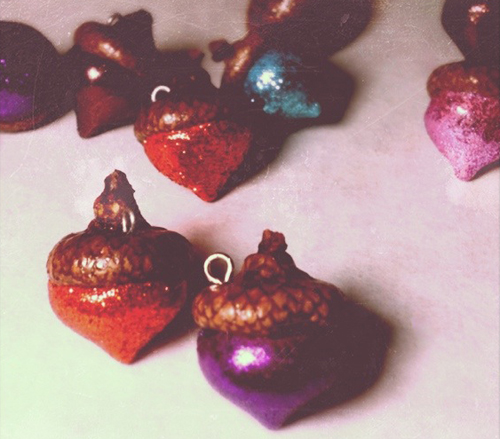 Glitter Acorn Charms