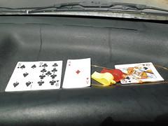 קלפים שפעם מצאתי, ובדרך להפגנת המיליון חשתי צורך לפרוס על הדק של האוטו