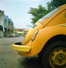 VW (alemershad™) Tags: 120 6x6 tlr film vw analog mediumformat classiccar kodak antique antiquecar squareformat malaysia mf analogue manual yashica kajang tyre selangor bettle twinlensreflex yashicamat124g filem kurakura iso160 alem tayar selangordarulehsan yellowvolkswagen kodakektacolor yashinon80mm vescan alemershad 120my canonscan9000f