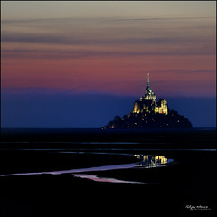 mont saint michel by night - R like ....reflection (no photoshop) (philippe MANGUIN photographies) Tags: pink blue sky reflection water rose night nikon october eau nightshot champs bretagne bleu reflet ciel fields normandie nuit octobre montsaintmichel prssals lumire d90 polders mygearandme philippemanguin