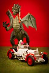 Poursuite (discret_incognito78) Tags: toy toys design miniature dragon voiture kidrobot figurines figurine jouet 143 solido jouets artoyz jeremyville canonefs1755mmf28isusm plastoy thoughtsinjeremyville ducksiveeaten mercedessskl19314004