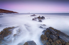 Last Light (Stuart Stevenson) Tags: uk longexposure sea seascape seaweed photography evening coast scotland lowlight rocks waves fife dusk tide coastline swell detour drivehome hss clydevalley eastneukoffife eastneuk canon1740mm earlsferry thanksforviewing canon5dmkii stuartstevenson stuartstevenson