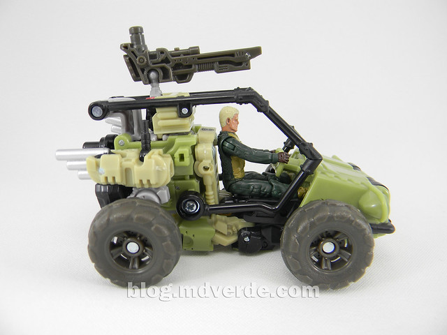 Transformers Sandstorm DotM Human Alliance - modo vehículo