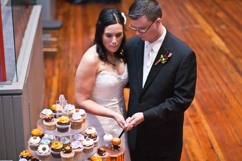 Cut the Cupcake