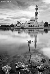 Yaumul Barokah (Zackri Zim'S) Tags: bw reflection nature nikon kitlens mosque filter terengganu cokin bw110 d3000 shellmalaysia