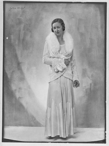 Carmen Bellido vestida de gala
