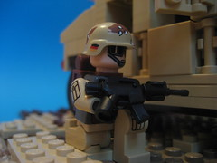 M4 catalog shot (Da-Puma) Tags: brick germany paint lego figure custom humvee gi brickarms brickmania