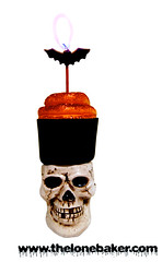 Happy Halloween Cupcake (The Lone Baker) Tags: orange black halloween skull baking cupcake quickandeasy