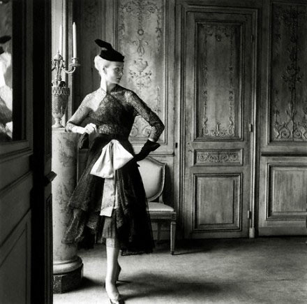 balenciaga-vintage-lace-1951-440x435