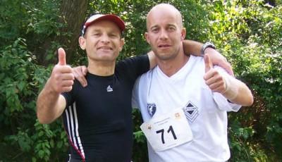 Libor Svozil veze z Mistrovství Polska v běhu na 24 h medaili