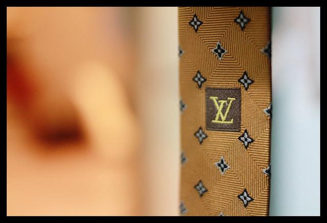 SC's LV tie