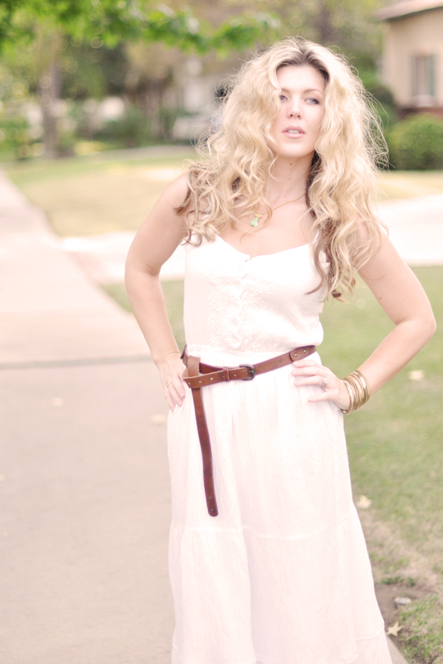 white maxi dress and brown belt -big SJP hair