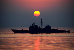 [Free Image] Vehicle, Ship, Sunset, Military Ship, USS Mobile Bay, 201109250100
