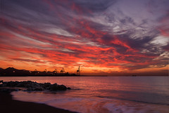 Amanecer en Mlaga (quinoal) Tags: sea sky beach night clouds sunrise mar cloudy playa amanecer cielo nubes malaga huelin 4591 quinoal mygearandme mygearandmepremium mygearandmebronze mygearandmesilver mygearandmegold mygearandmeplatinum mygearandmediamond artistoftheyearlevel3 artistoftheyearlevel4 musictomyeyeslevel1