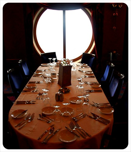 cruise ship dining room table