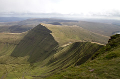 Cribyn from Pen y Fan (Mukumbura) Tags: uk vacation terrain holiday mountains wales landscape outdoors climb countryside nationalpark unitedkingdom walk cymru peak hike breconbeacons hills ridge valley summit jagged rolling penyfan slopes undulating escarpment cribyn summertimeuk