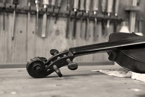 Geigenbau by Fotosilber