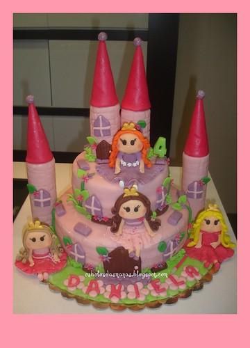 Bolo Castelo Princesas 9 by Osbolosdasmanas
