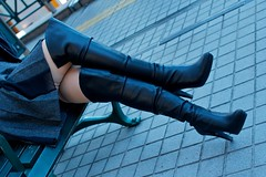 Black Boots 71 (Ayanami_No03) Tags: woman stockings tokyo legs boots skirt   blackboots   eoskissx4 eos550d