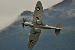 Supermarine Spitfire Mk XVIe (Sbastien Locatelli) Tags: darren nikon aviation meeting airshow spitfire tamron pitcher vc mk sion usd breitling 70300 supermarine d5000 xvie