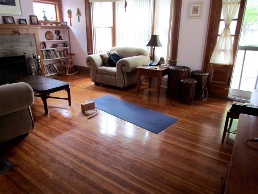 the living room yoga | Conceptstructuresllc.com