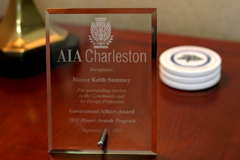 AIA Charleston recognizes Mayor with Award