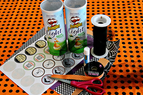 Pringles Can Halloween Craft 5
