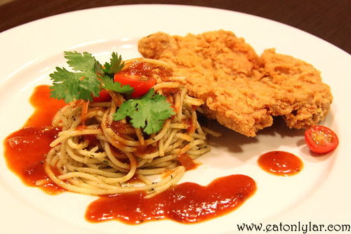 Spaghetti with Chicken Chop, Herbs & Spices