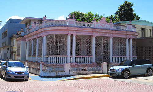 Pretty House @ Cataño, Puerto Rico