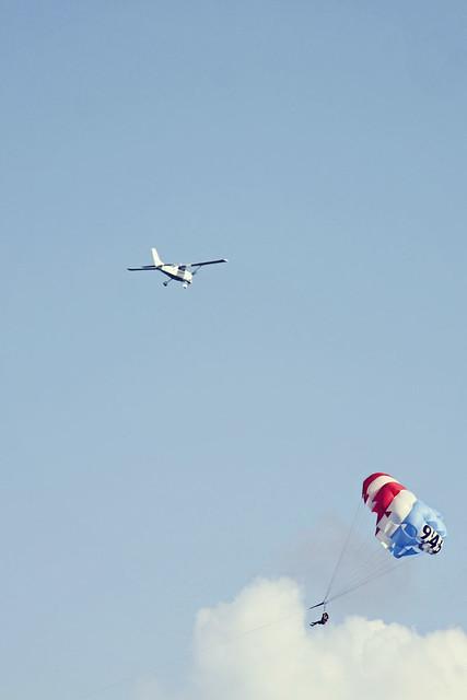Fort Lauderdale beach plane parasailers