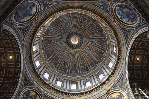 Looking up to Michelangelo's dome