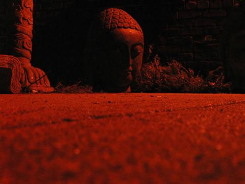 red_buddha_0