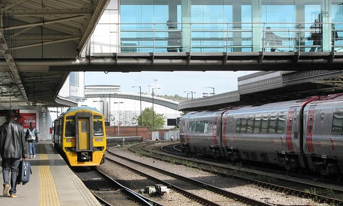 158907 + 221132 at Sheffield