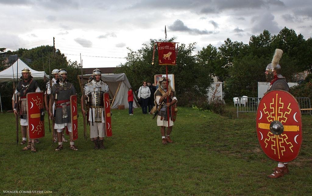 Présentation des légionnaires au public de Chartres