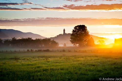 Wallace Monument Sunrise by OnlyEverOneJack