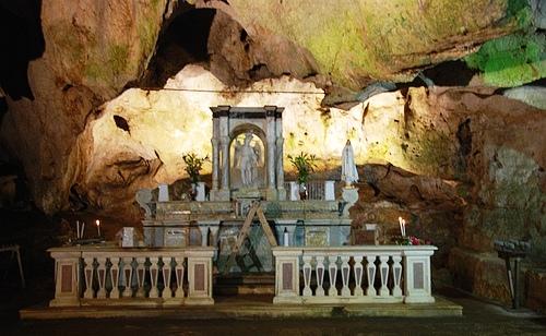 Altar de la Gruta