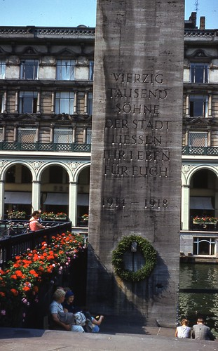 Monument to Hamburg War Dead