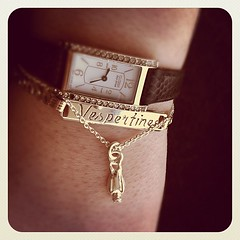 Added a @meadowlarknz charm bracelet to my arm party!