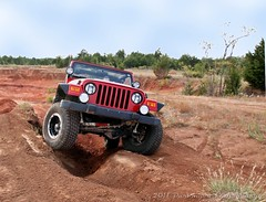 COMING UP THE FLEX TRAP (Darkmoon Photography) Tags: red oklahoma jeep offroad dirty clay dust tj darkmoon flexing wrangler rdj tinkerafb jeepclub reddirtjeeps