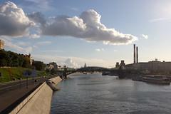IMG_4713 (Mike Pechyonkin) Tags: road bridge sky cloud house river hotel ship moscow quay smokestack     2011       slavyanskaya redison